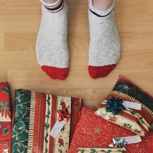 """La psicologia degli acquisti di Natale: come le aziende ci """"obbligano"""" a comprare"""