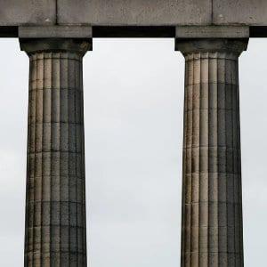 3 motivi per cui dovresti scrivere Pillar Article sul tuo blog