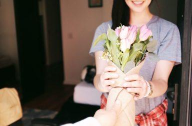 -1 mese a San Valentino come essere creativi per la Festa degli Innamorati Blog Cover