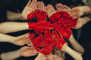 Iniziative Digitali che mostrano la solidarietà umana durante il Covid-19 Blog Cover (1)