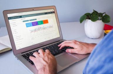 Come usare Google Trends per il real time marketing Blog Cover (1)